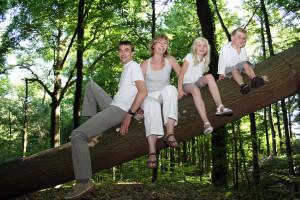 Fotoshoot familie op lokatie - in het bos